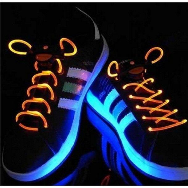 df3b7d9b9cb Arhiiv 6. Tingimused. Voucheri hinna sees on spordijalatsite kingapaelad  ereda LED valgustusega ...